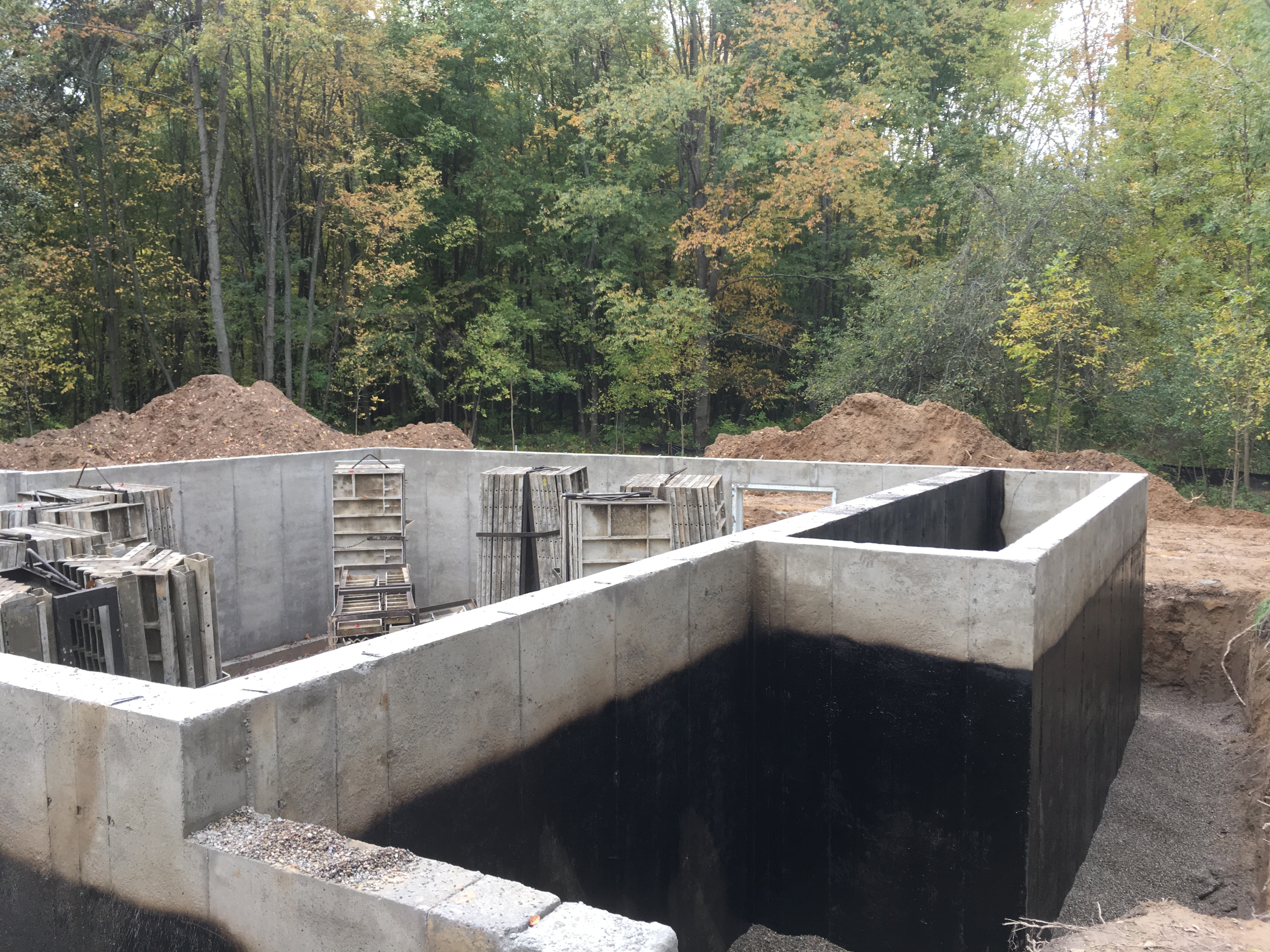 Waterproofing Existing Foundation Walls : Basement foundation waterproofing fenton mi rock